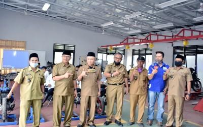 Pembukaan Berbasis Kompetensi Otomotif Service Sepeda Motor Injeksi Angkatan 1&2 Balai Latihan Kerja SMK Al-Huda Sariwangi