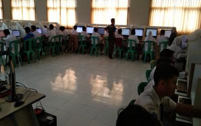 Pelaksanaan Simulasi AKM di SMK Al Huda Sariwangi berjalan lancar